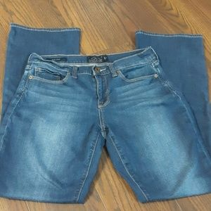 Lucky Brand Jeans / Sofia Boot / 8/29R